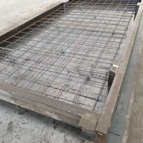 Przygotowane formy do zalania betonem
