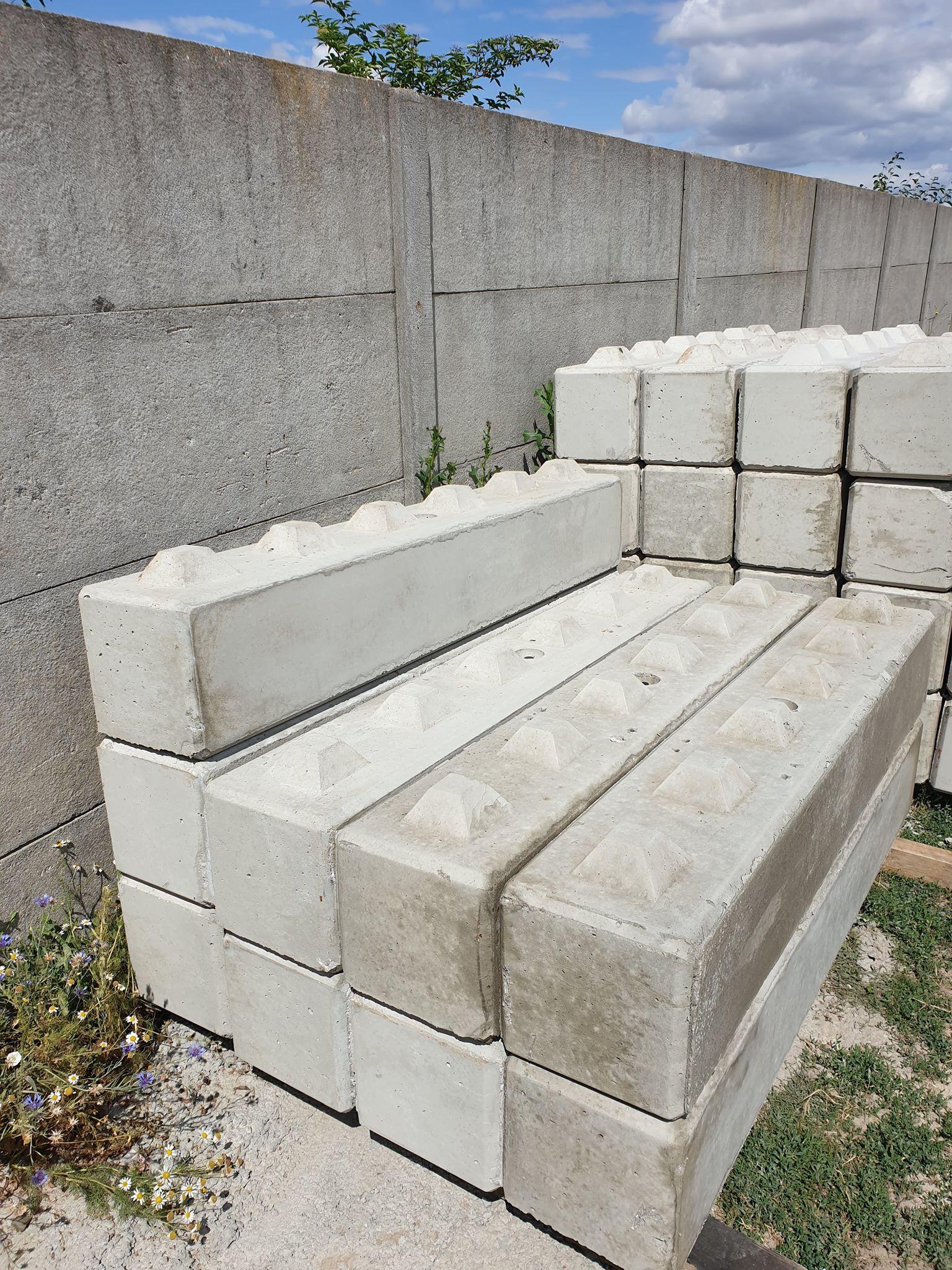 Klocki betonowe w wymiarach 30x30x180