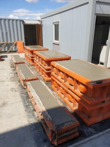 Betonbloki w formach