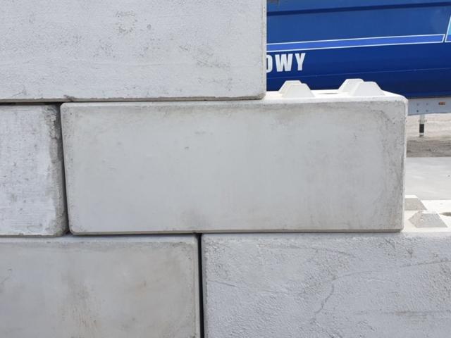 Betonbloki w wymiarach 60x60x150