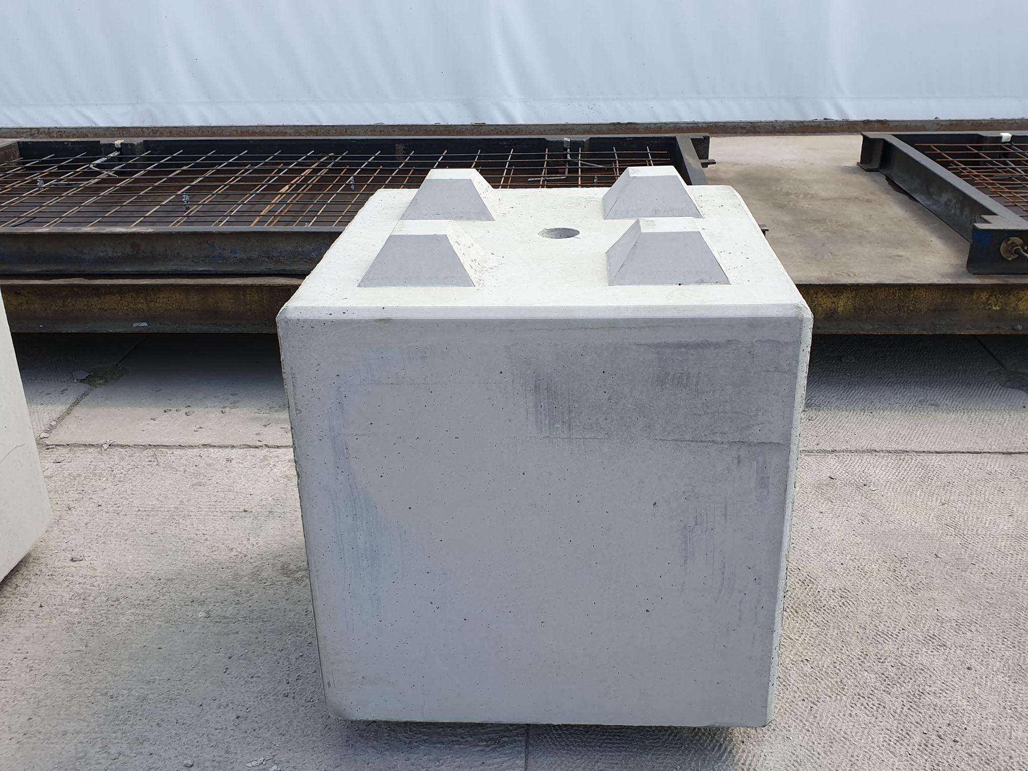 Klocki z betonu 80x80x80