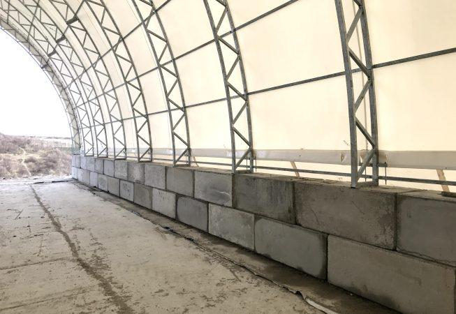 Wykorzystano betonbloki BB600, w tym także wersje LICO bez górnego trzpienia